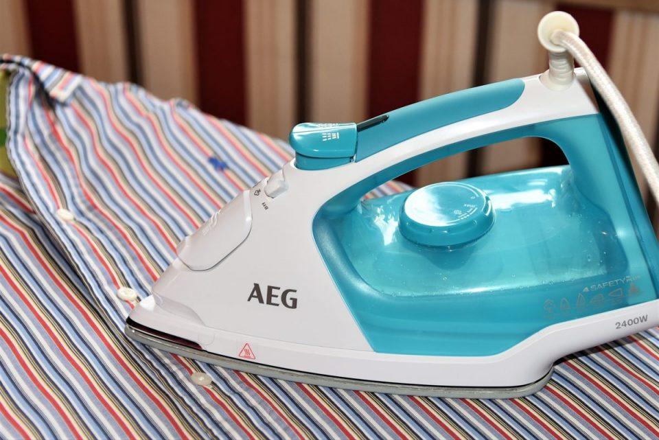 AEG Dampfbügeleisen DB5230